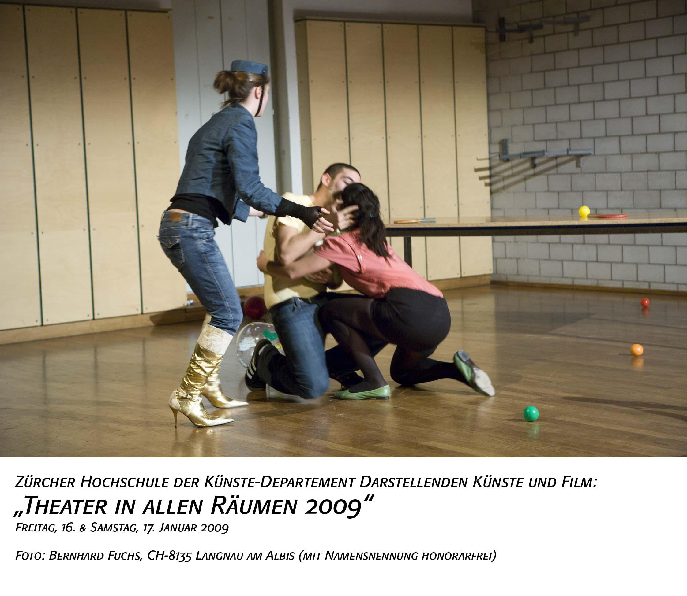 bernhard fuchs theaterfotos tdk theater in allen r umen i. Black Bedroom Furniture Sets. Home Design Ideas